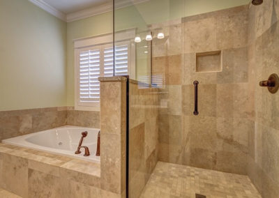 bathroom-389262_640